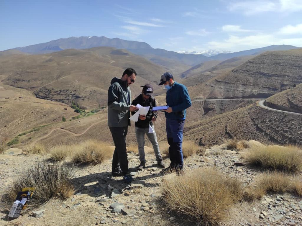 From the field: Training community researches in ecological monitor